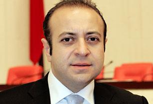 Евросоюза Эгемен Багиш.